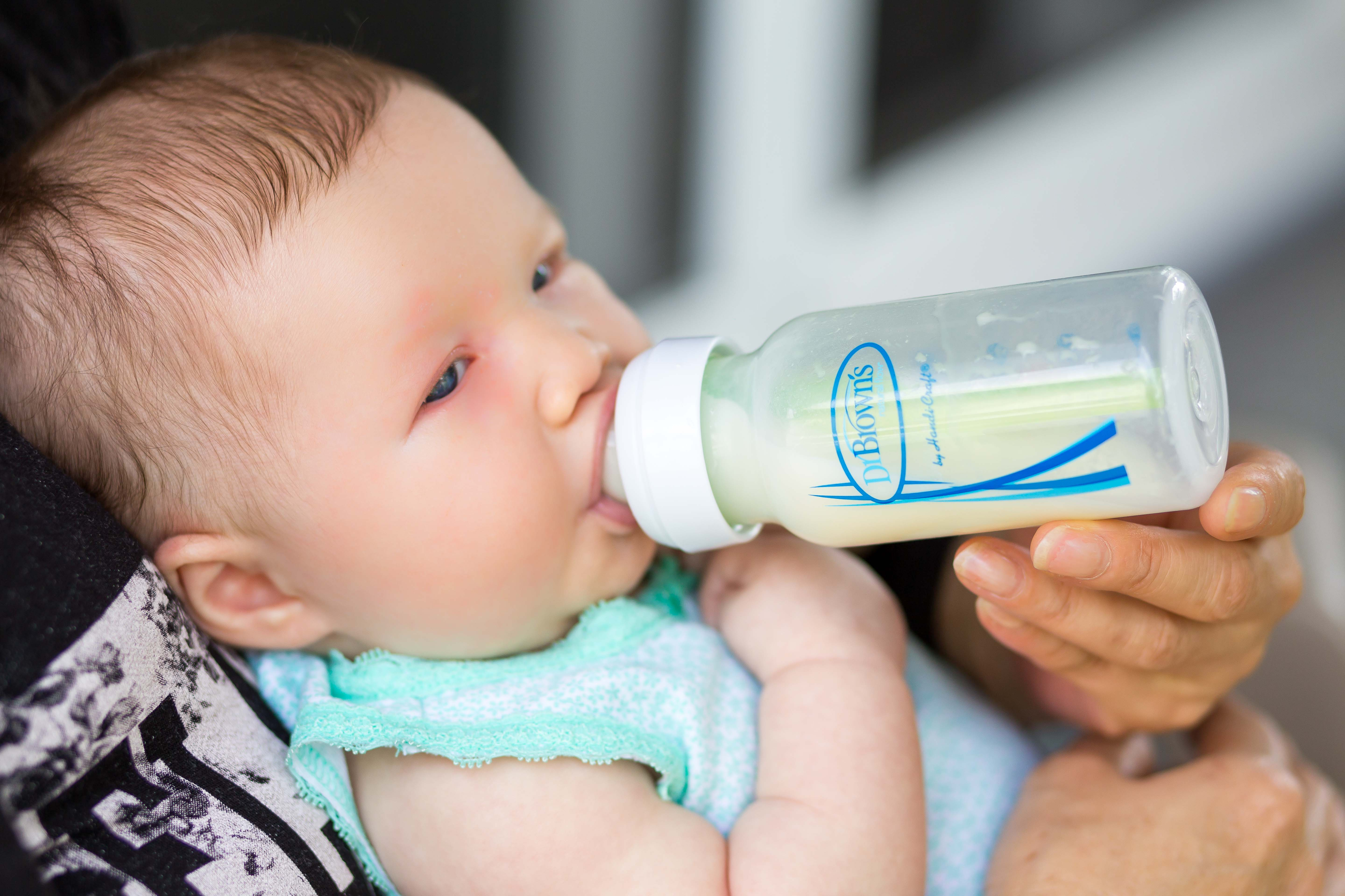 The Best Bottle Feeding Positions With Dr Brown S