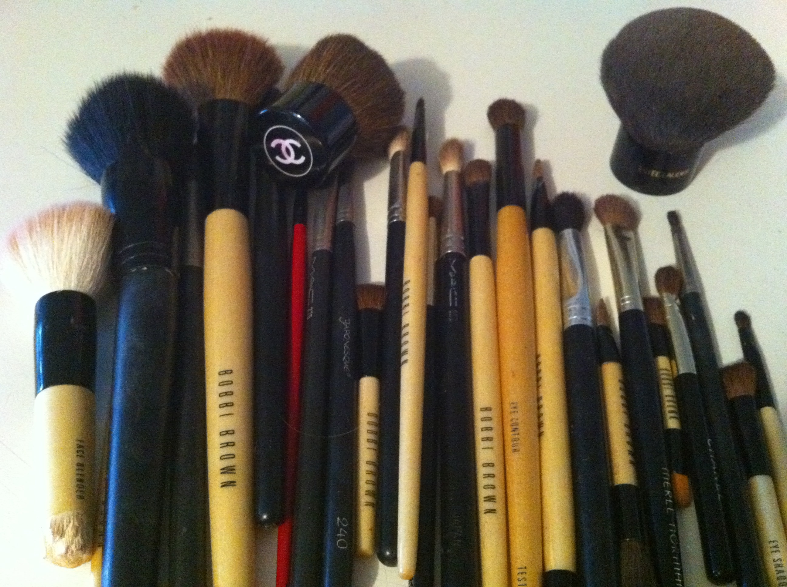 overdue: cleaning my makeup brushes